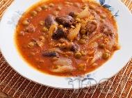 Рецепта Вкусна яхния с пилешки воденички и грах в тенджера под налягане